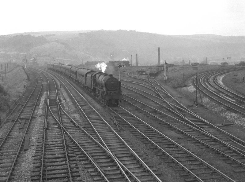 Royal Scot 46113 passes Hall Royd sidings with the 13.30 Southport - Leeds & Bradford sometime in 1962