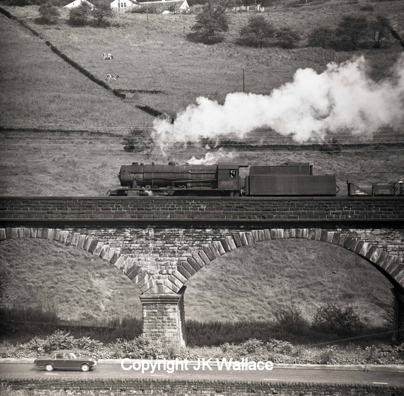 Lobb Mill viaduct, Todmorden, on Saturday 30 July 1966, with 90481 heading a westbound mixed freight.