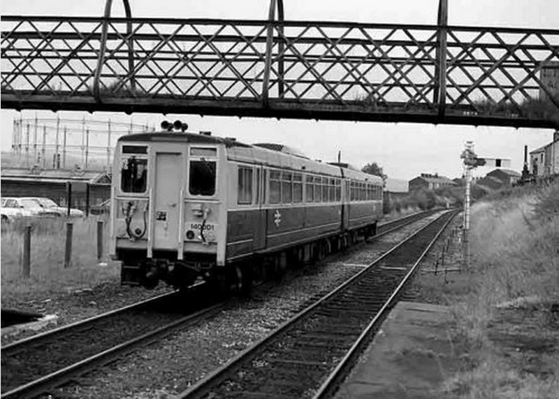 Prototype 140.001 railbus leaving Brierfeld for Colne on 29 September 1981.